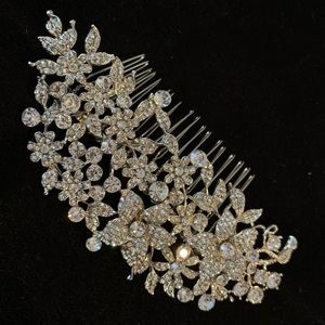 Accessories - 🆕🔥Very Shiny Crystal Delicate Flowers Crown